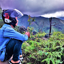 Is beautiful by ATOK ILAH - City,  Street & Park  Vistas ( vistas, mountain, beautiful, candid, natural )