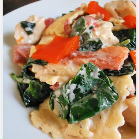 Ravioli with Italian Cheese & Herb Cream Sauce, Chicken and Veggies
