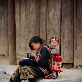 Sapa daylife by Boris Jakesevic - People Street & Candids ( life, sapa, children, vietnam, travel, people )