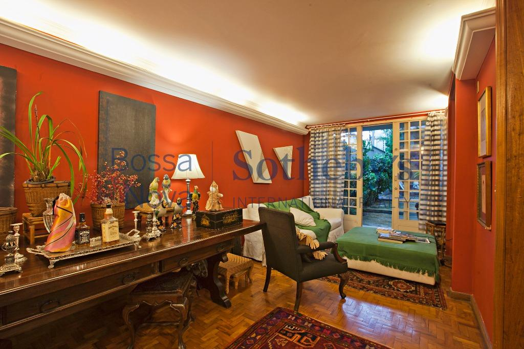 Casa com muito espaço e iluminação natural