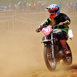 Mud Racing ,Yamaha RX135 by Rahul Radhakrishnan - Sports & Fitness Motorsports ( yamaha, mud, racing, winner, kerala )