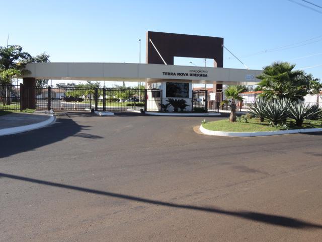 Casa com 3 dormitórios para alugar, 57 m² por R$ 780/mês - Recreio dos Bandeirantes - Uberaba/MG