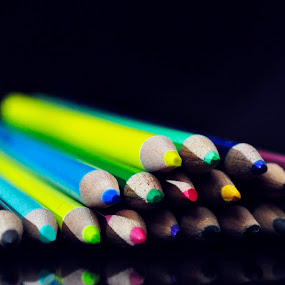 Color pencils. by Eliani Miranda - Artistic Objects Other Objects ( creative, colorful, green, light box, yellow, pencil, red, color, blue, background, dark, pink, focus, nikon, light, black )