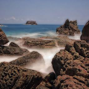 Tanjung Layar Taman Nasional Ujung Kulon Banten-Indonesia by Novra Ayamo - Landscapes Waterscapes ( ujung kulon, tanjung layar, slow speed )