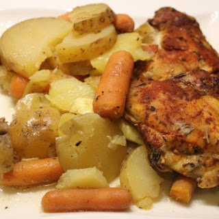 Low-FODMAP Slow Cooker Chicken Thighs and Carrots