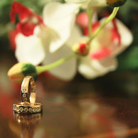 flower ring by Teguh Adi - Wedding Other ( ring, 2, background, couple, flower )