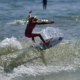 by Terry Barker - Sports & Fitness Surfing