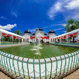 Baiturrahman Mosque by ArRy Fridiansyah - Buildings & Architecture Public & Historical ( samyang, fisheye, aceh, indonesia, mosque, bandaaceh )