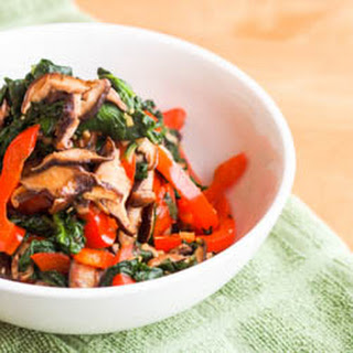 Vegan Shiitake, Red Pepper and Spinach Stir Fry {Gluten-Free}