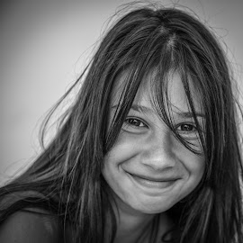 Sara's smile by Dmitry Samsonov - Black & White Portraits & People ( girl, b&w, woman, beautiful, teenager, smile, portrait )