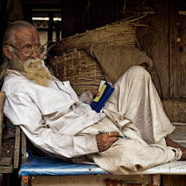 Market India #1 by Vincent van Kooten - People Street & Candids ( old, market, basket, india, poona )