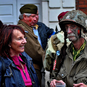 Laugh  in  the   face  of  war by Gordon Simpson - People Group/Corporate