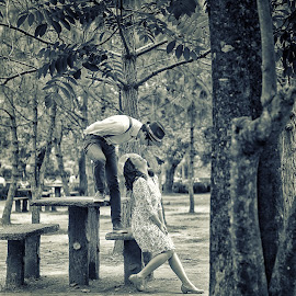Vintage kind of love by JD Pascual - People Couples ( love, vintage, couple )