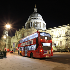 by Felice Bellini - City,  Street & Park  Night ( uk, europe, red bus, red, bus, london, stop on request, night, st. paul )