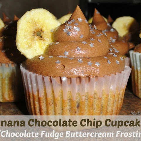 Banana Chocolate Chip Cupcakes with Chocolate Fudge Buttercream Frosting #Recipe