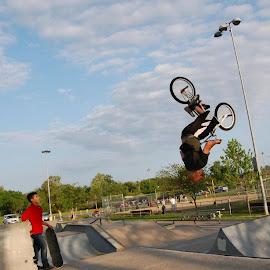 Backflip blows kid away by Rick Dipley II - Sports & Fitness Other Sports ( backflip, matt hoffman, bmx, trick, upside down, skatepark, bicycle )
