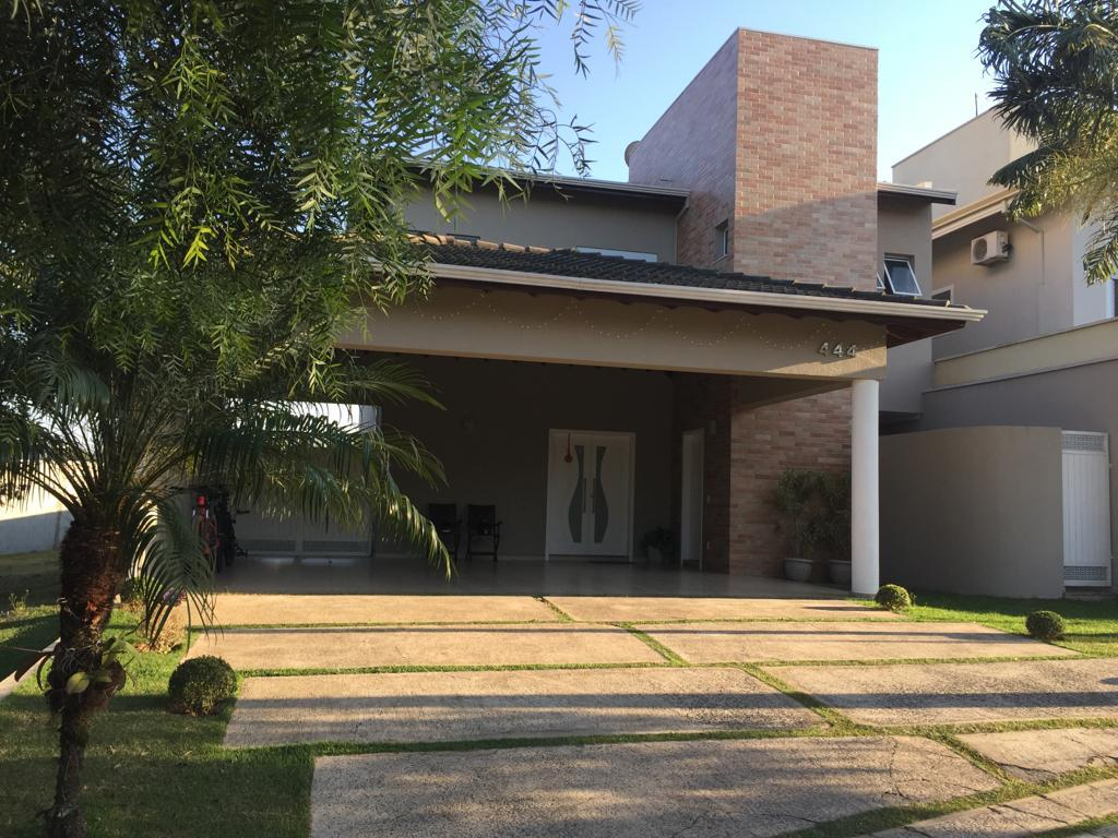 Sobrado de 354 m2, com 3 dormitórios e suíte com closet, à venda no Residencial Beira da Mata - Indaiatuba/SP