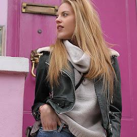 Jen by Lampros Kalfuntzos - People Fashion