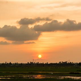 Mentari Pulang Petang by Mohd Afiq - Landscapes Sunsets & Sunrises