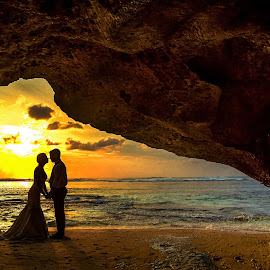Balis Romanctic sunset  couple  by Dean Bali   - Wedding Bride & Groom ( #bali#sunset#wedding#preweddiing )
