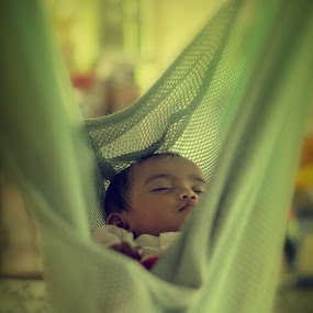 sleeping beauty by Asrul CikguOwn - Babies & Children Children Candids