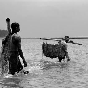 Indian Fish Catchers by Sutapa Karmakar - News & Events World Events