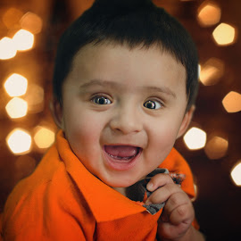 A Perfect and Cute Smile by Agha Rafay - Babies & Children Babies ( babies, cute baby, portrait photography, innocent, innocence, childeren, childs, cute, portrait )
