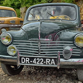 Une Baguette SVP by Marco Bertamé - Transportation Automobiles ( car, chrome, 1952, round, circle, yellow, french, france, d, letter, numer, vintage, green, a, renault, 2, number plate, 4 cv, headlights, r, 4, anno, lines, oldtimer, curved )