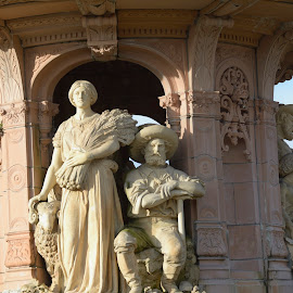 The Doulton Fountain by Ray Rosher - Buildings & Architecture Architectural Detail ( scotland, terracota, glasgow, fountain, doulton )