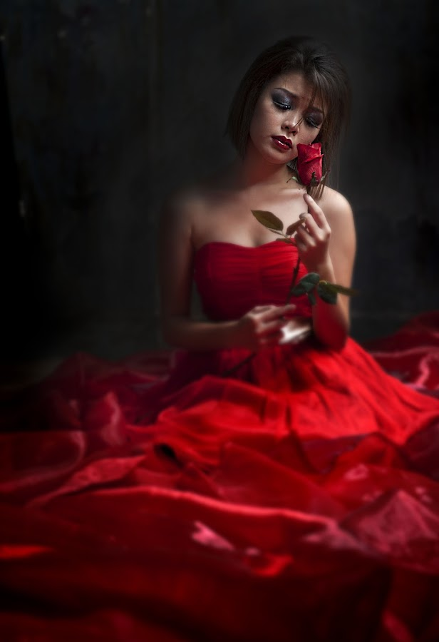 lady red,.... by Lie Oktevianus - People Portraits of Women