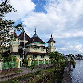 Keraton Sambas Mosque by Mulawardi Sutanto - Buildings & Architecture Public & Historical ( mosque, indonesia, sambas, travel, culture, borneo )