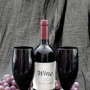 Still life wine glasses grapes_160624_9027 copy.jpg