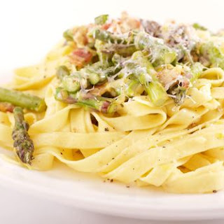Fettuccini with Bacon and Asparagus Cream Sauce