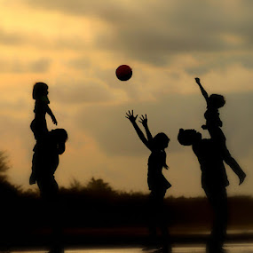 by Martin Marthadinata - People Family ( silhouette )
