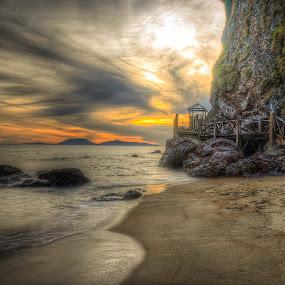 Bukit Keluang Beach by Zulkifli Yusof - Landscapes Sunsets & Sunrises ( kuala besut, bukit keluang beach, pantai, terengganu, malaysia, sunrise, beach, fajar )