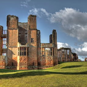 Kenilworth Castle by Peter Spowage - Buildings & Architecture Public & Historical