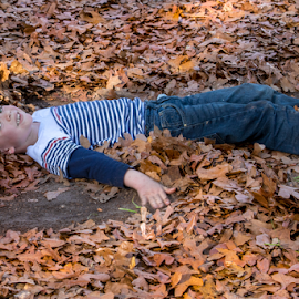 Making a Leaf Angel by Judy Rosanno - Babies & Children Children Candids