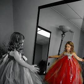 by Stephanie Shuman - Wedding Getting Ready (  )