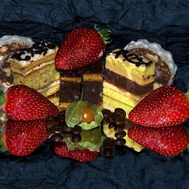 cakes with the strawberrys by LADOCKi Elvira - Food & Drink Cooking & Baking