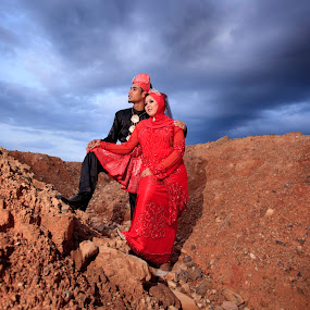 by Hanif Ismail - Wedding Bride & Groom