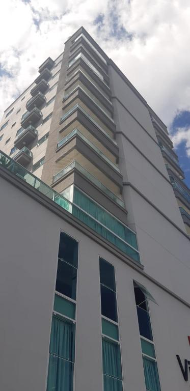 Apto Locação Anual 3 Dormitórios Mobiliado