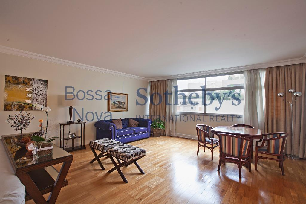 Apartamento com excelente planta em ótima localização.