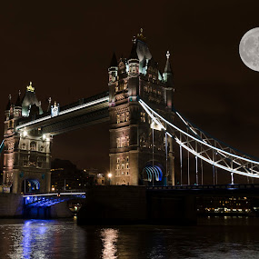by Steven Stamford - Buildings & Architecture Bridges & Suspended Structures ( moon, tower bridge river thames, tower bridge london, london tower bridge, tower bridge, tower bridge thames, full moon, tower bridge at night )