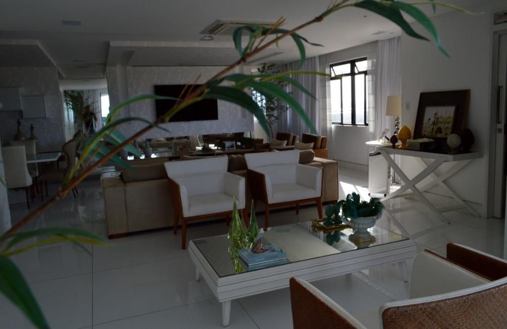 Apartamento residencial à venda, Manaíra, João Pessoa.