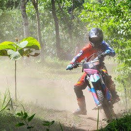 Sugeng on actions by Tofik Rozaq - Sports & Fitness Motorsports ( sports, motocross, indonesia )