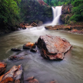 Tegenungan Waterfall by Kosmas Fikie Aryadi - Landscapes Travel