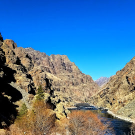 Hells caynon by D.j. Nichols - Instagram & Mobile Android ( blue sky, snake river, canyon, day )