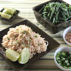 Spicy Peanut Noodles with Green Beans