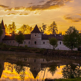 Waldreichs Castle on Sunrise by Franz  Adolf - Buildings & Architecture Public & Historical