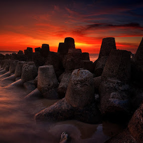 Tetrapods of Kelan Beach by Eggy Sayoga - Landscapes Waterscapes ( indonesia, kedonganan, beach )
